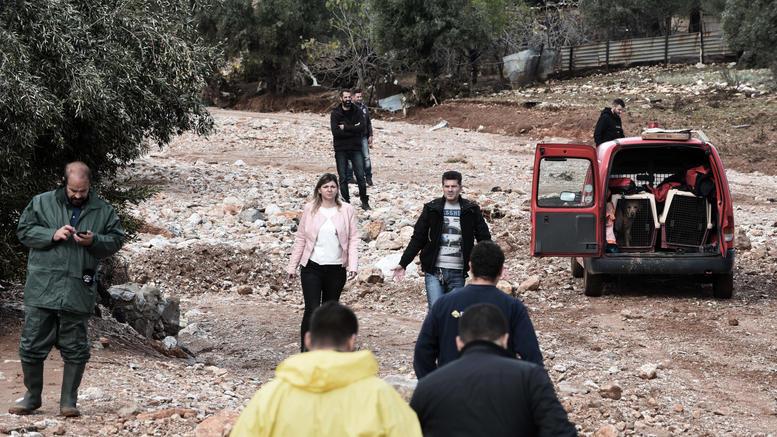 Μάνδρα 5 ημέρες μετά: Χαμένοι στη λάσπη και την απόγνωση