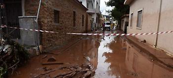 Πόλη «φάντασμα» η Μάνδρα -Ζωές και περιουσίες χάθηκαν στη λάσπη