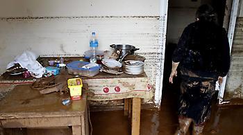 Καταγγελία από τη Δήμαρχο Μάνδρας: Αστυνομικοί που δηλώθηκαν ότι ήταν εδώ, φύλαγαν το σπίτι του πρωθ