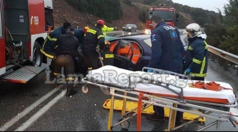 Ιτέα: Γονείς και παιδιά τραυματίες σε τροχαίο - Τους απεγκλώβισε η Πυροσβεστική