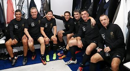 Μοναδικές στιγμές για Γκέραρντ: «Ένας άνθρωπος που προσέφερε πολλά στο ελληνικό ποδόσφαιρο»!