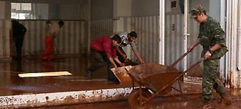 Η Μάνδρα προσπαθεί να κλείσει τις πληγές της -Ξεκίνησαν οι εργασίες αποκατάστασης (pics)