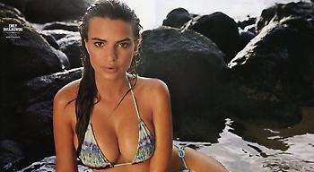 H Έμιλι παρουσιάζει τα σέξι μαγιό της (pics)