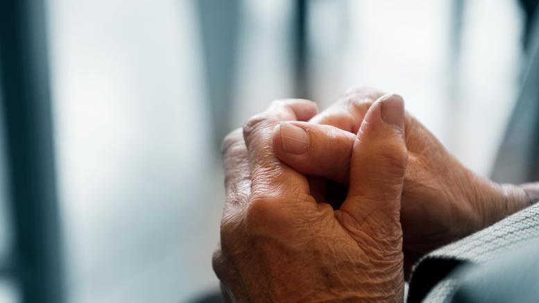 Θύματα τρεις ηλικιωμένες, που τους έταζαν επιστροφή φόρων