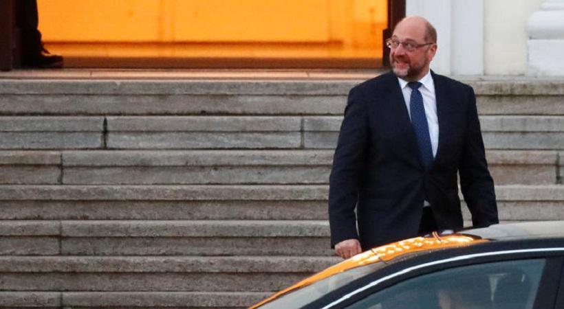 Θρίλερ στη Γερμανία: Με παραίτηση φέρεται να απείλησε ο Σουλτς