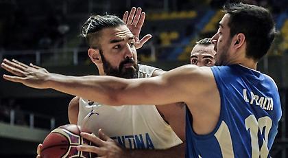 Αγέραστος Σκόλα, με… νεανικό λουκ (video)