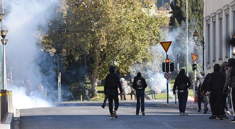 Επεισοδιακή πορεία στο κέντρο για τον Αλέξη Γρηγορόπουλο