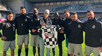 Εξαιρετική πρωτοβουλία από Μποαβίστα: Ανανέωσε συμβόλαιο παίκτη με καρκίνο (pic)