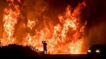 Καλιφόρνια: Εκκενώνονται σπίτια καθώς αναζωπυρώνονται τα πύρινα μέτωπα