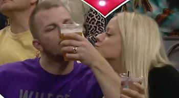 ΕΠΟΣ: Φίλαθλος άφησε την ξανθιά και φίλησε την μπίρα του! (video)