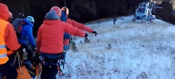 Η στιγμή της διάσωσης του ορειβάτη στον Ολυμπο (video)