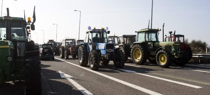 «Ζεσταίνουν» τα τρακτέρ τους οι αγρότες: Πέμπτη απεργία, Κυριακή αποφασίζουν κινητοποιήσεις