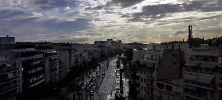 Μικρή άνοδος της θερμοκρασίας την Τετάρτη - Πού θα πέσουν μπόρες