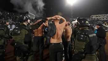 Και Έλληνας στα άγρια επεισόδια μεταξύ των οπαδών της Παρτιζάν (video)