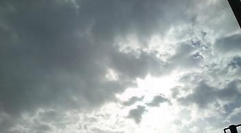 Άστατος ο καιρός σήμερα, με βροχές και καταιγίδες