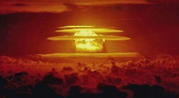 Η τρομακτική ισχύς των ατομικών βομβών, σε αποχαρακτηρισμένα βίντεο των ΗΠΑ (video)