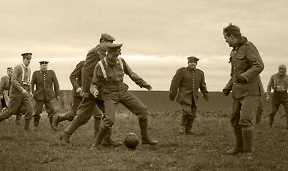 Όταν η μπάλα σταμάτησε (για λίγο) τον πόλεμο…