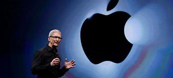 Η Apple αντιμέτωπη με αγωγή ύψους 1 τρισ. δολαρίων για την επιβράδυνση των μπαταριών των iPhone