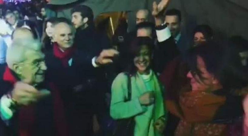 Ο χορός Μπουτάρη - Ψινάκη στο ρεβεγιόν στην πλατεία Αριστοτέλους