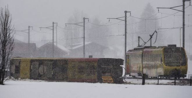 Καταιγίδα που σπάει ρεκόρ στην Ελβετία - Οχτώ τραυματίες από εκτροχιασμό