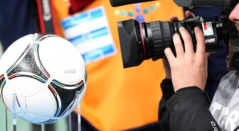 Κλείνουν το μάτι στην Cosmote TV ομάδες της Super League
