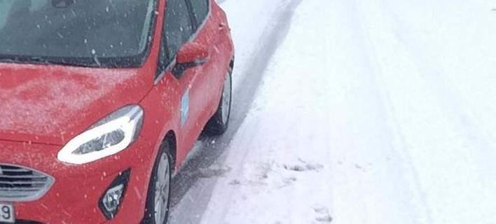 Σφοδρή χιονόπτωση στη Χαλκιδική- Πού χρειάζονται αντιολισθητικές αλυσίδες (video)