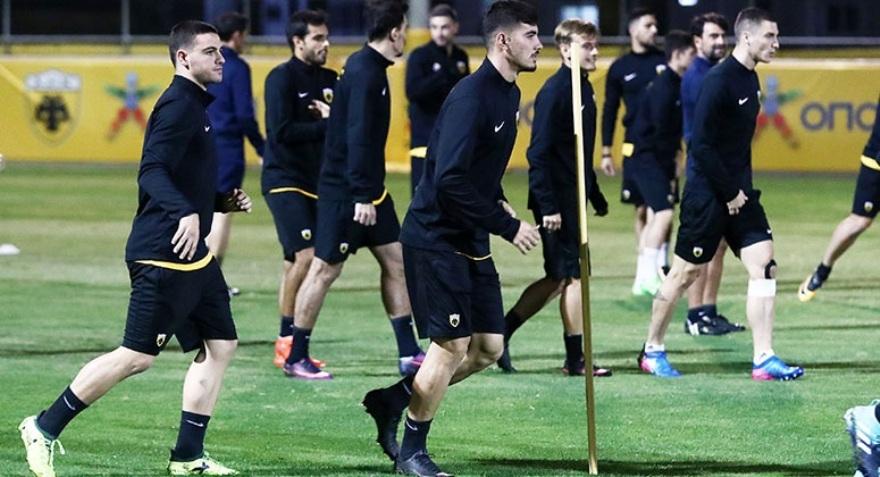 Με Μπακασέτα, χωρίς Σιμόες, Τσόσιτς η ΑΕΚ κόντρα στον ΠΑΣ Γιάννινα