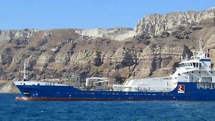 Αποκολλήθηκε το δεξαμενόπλοιο που προσάραξε στα Ψαρά