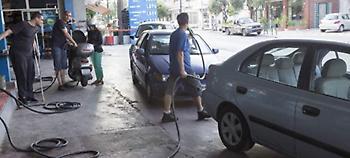 Αυθαίρετες χρεώσεις από δήμους καταγγέλλουν στον Συνήγορο του Πολίτη οι πρατηριούχοι καυσίμων