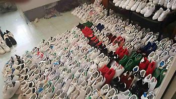 Εντοπίστηκε μεγάλη αποθήκη με «μαϊμού» προϊόντα - τρεις συλλήψεις