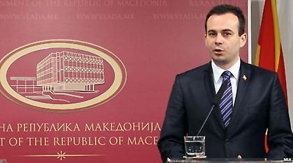 Ναουμόφσκι για Σκοπιανό: Μακριά από μια αξιοπρεπή λύση οι προτάσεις Νίμιτς