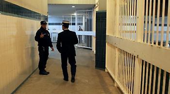 Κρατούμενος επιτέθηκε σε φύλακες σε γαλλική φυλακή, φωνάζοντας «Ο Αλλάχ είναι μεγάλος»