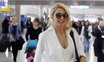 Στο αεροδρόμιο για τον Άγιο Δομίνικο η Κωνσταντίνα Σπυροπούλου – Αυτό που πρόδωσε την συμμετοχή της