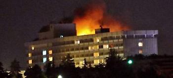 Ενοπλοι εισέβαλαν στο ξενοδοχείο Intercontinental στην Καμπούλ και άνοιξαν πυρ εναντίον πελατών