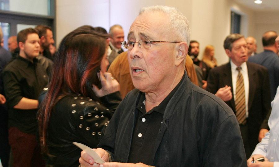 Θεσσαλονίκη: Επιτέθηκαν και χτύπησαν τον Κώστα Ζουράρι στο συλλαλητήριο!