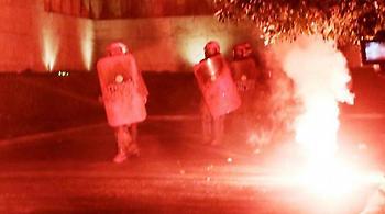 Αστυνομικός τραυματίστηκε από επίθεση οπαδών στην Πάτρα