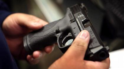 Καλαμάτα: Χτύπησε το κουδούνι και τον πυροβόλησε