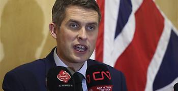 Προειδοποιήσεις Βρετανού στρατηγού για στρατιωτική ανωτερότητα της Ρωσίας