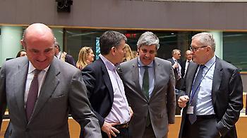 Eurogroup: «Πράσινο φως» για τη δόση - «Καμπανάκι» για τους πλειστηριασμούς