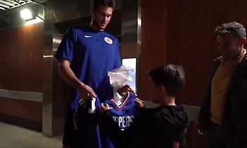Το δώρο του Γκαλινάρι στον Ντελ Πιέρο και τον γιο του (video)