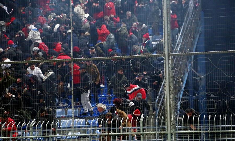 Η ένταση στην Τρίπολη πριν τα… δακρυγόνα! (video)