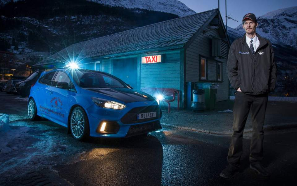 Οδηγός ταξί με... Ford Focus RS