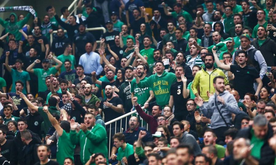 Οπαδοί του Παναθηναϊκού πήγαν στο ΟΑΚΑ με μάσκα του Δημήτρη Γιαννακόπουλου! (pic)