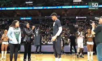 Παρέλαβε τη φανέλα του στο All Star Game από τη μητέρα του ο Αντετοκούνμπο (video)