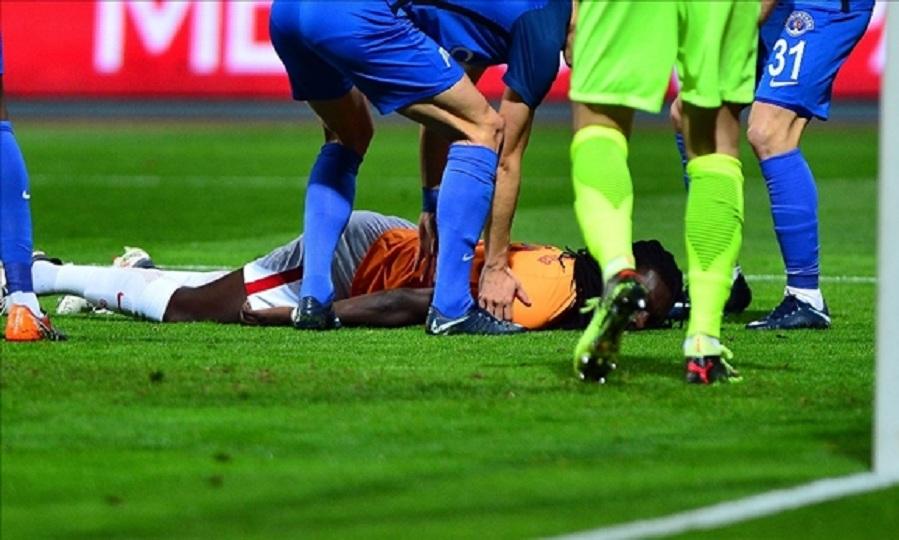 Κατέρρευσε μέσα στο γήπεδο ο Γκομίς! (video)
