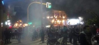 Επεισόδια στα Χανιά μετά το καρναβάλι: Χρήση κρότου-λάμψης έκανε η ΕΛ.ΑΣ. (pics)