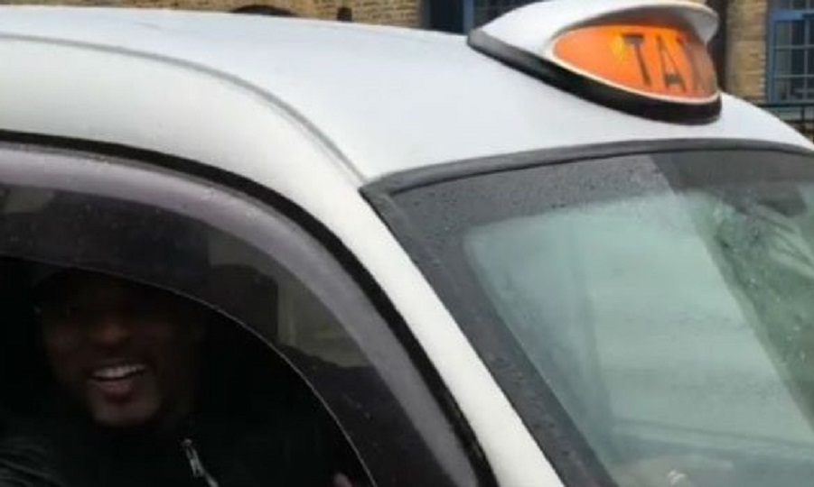 Ο Εβρά πήγε στην προπόνηση οδηγώντας ταξί (video)