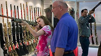 ΗΠΑ: Προκαλεί το λόμπι της οπλοκατοχής - Περισσότερα όπλα, για λιγότερη βία