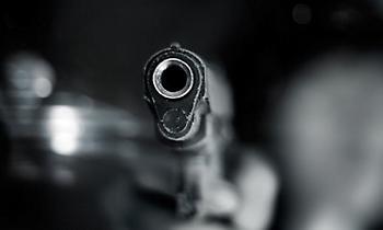 Ληστεία με πυροβολισμούς σε αγορά στο Μενίδι