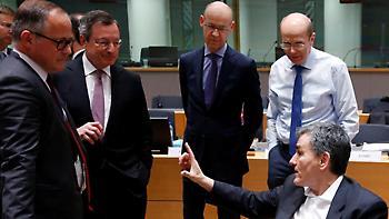 Spiegel: Κακοί βαθμοί για την Ελλάδα, αμφιβολίες από ΕΚΤ και ΔΝΤ